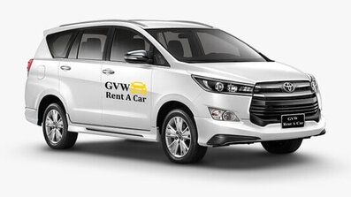 innova crysta car fleet of best car rental company