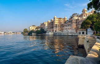 udaipur sightseen tour package by gvw rent a car